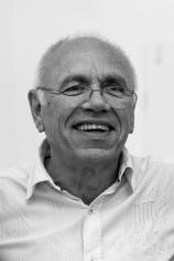 """1993 nahm ich Kontakt zu Herrn Prof. Wolf Wrisch und zur Koordinierungsstelle für Weiterbildung in Bremen auf. Im Rahmen des Studienangebotes """"Bildende Kunst"""" der Hochschule Bremen, wurde über drei Jahre, von 1993 bis 1995, das Fundament gelegt. 1996/1997"""